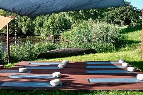 Yoga-Wochenende im Naturressort - Beam me up / Yogagarten